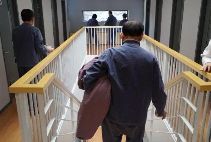 Στη Ν.Κορέα για να αποφύγουν το εργασιακό στρες… μπαίνουν φυλακή
