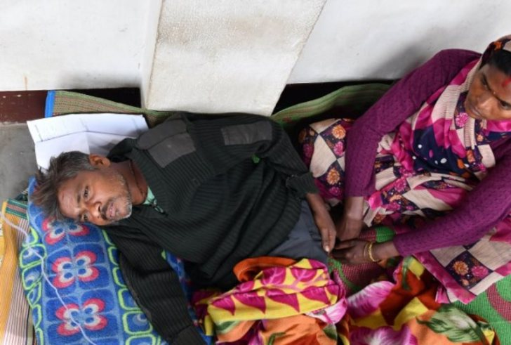 Ινδία: 99 νεκροί μετά από κατανάλωση νοθευμένου αλκοόλ