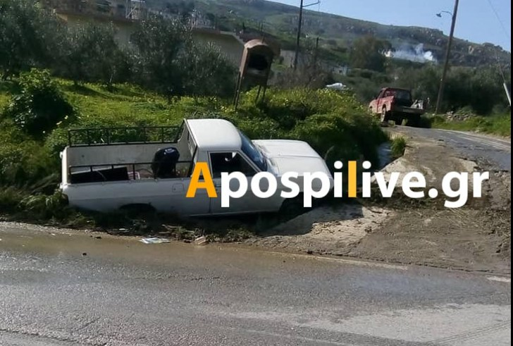 Τροχαίο ατύχημα στον Βουρβουλίτη (φωτο)