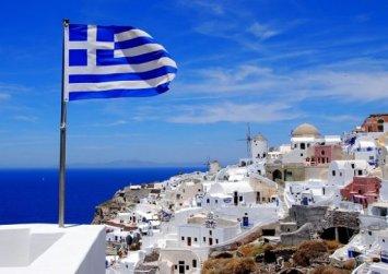 Στα 16 δισ. ευρώ οι εισπράξεις από τον τουρισμό το 2018