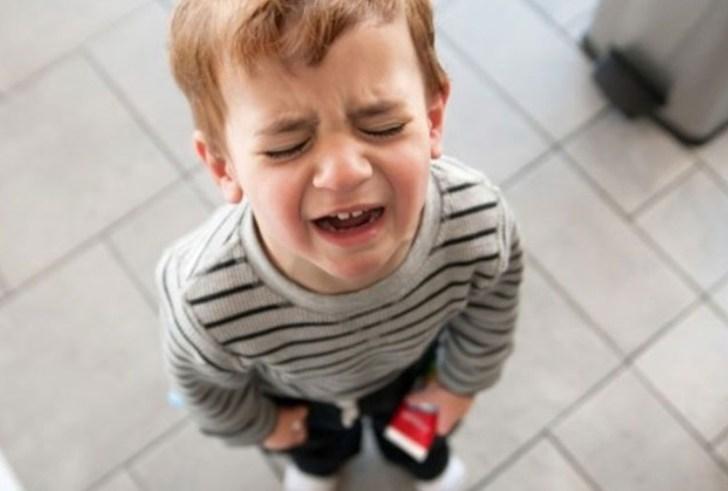 Ηράκλειο: Είχαν το παιδί τους κλειδωμένο στην τουαλέτα… κι έλειπαν!