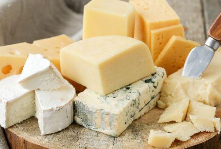 Αποσύρεται από τα ράφια νηστίσιμο τυρί