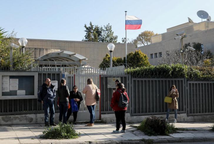 Χαλάνδρι: Εξερράγη χειροβομβίδα στο Ρωσικό Προξενείο