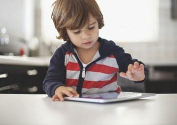 Τρίχρονος κλείδωσε το iPad του πατέρα του μέχρι το… 2067!