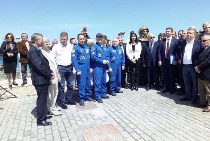 """""""Απόβαση"""" κοσμοναυτών στα εγκαίνια του πάρκου Γκαγκάριν στο Ηράκλειο"""