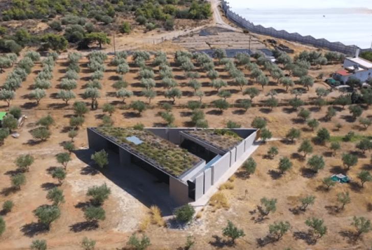 Πυθαγόρειο: Το τριγωνικό σπίτι στην Κορινθία που στηρίζεται στο θεώρημα του Πυθαγόρα