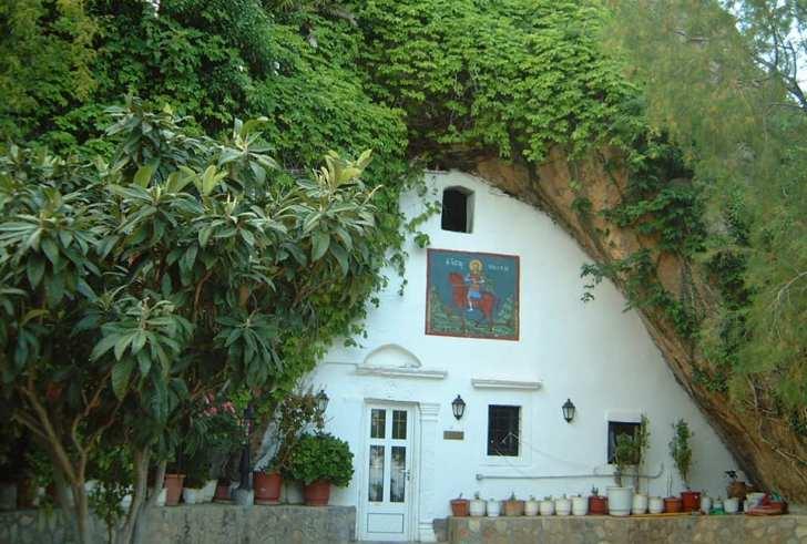Άγιος Νικήτας: Ο καβαλάρης των Αστερουσίων