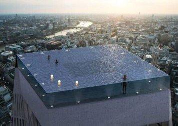 Όλοι είχαν την ίδια απορία για αυτή την πισίνα του Λονδίνου-Πώς στο καλό θα μπαίνεις μέσα;