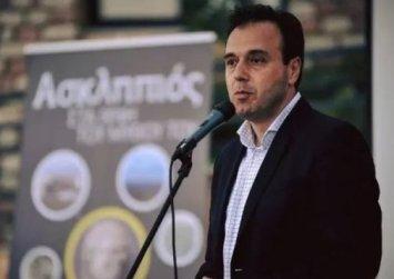 Τρίκαλα: Ο δήμαρχος ζήτησε συγγνώμη από δημότες και τους χάρισε το νερό 4 μηνών