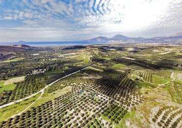 Οι ξένοι αγοράζουν Κρήτη για μπίζνες, διακοπές και μόνιμη κατοικία