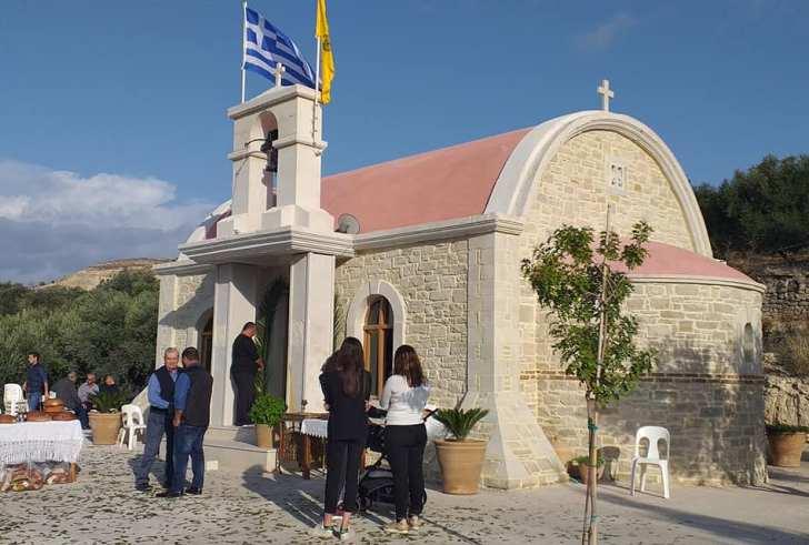Αμπελούζος: Η πρώτη Θεία Λειτουργία στο εκκλησάκι που κτίστηκε στη μνήμη του Λαζανάκη Μιχάλη