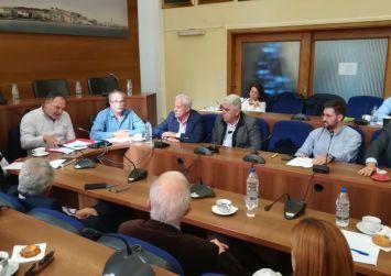 ΠΕΔ Κρήτης: «Δεν θα δεχτούμε στρατόπεδα συγκέντρωσης μεταναστών»