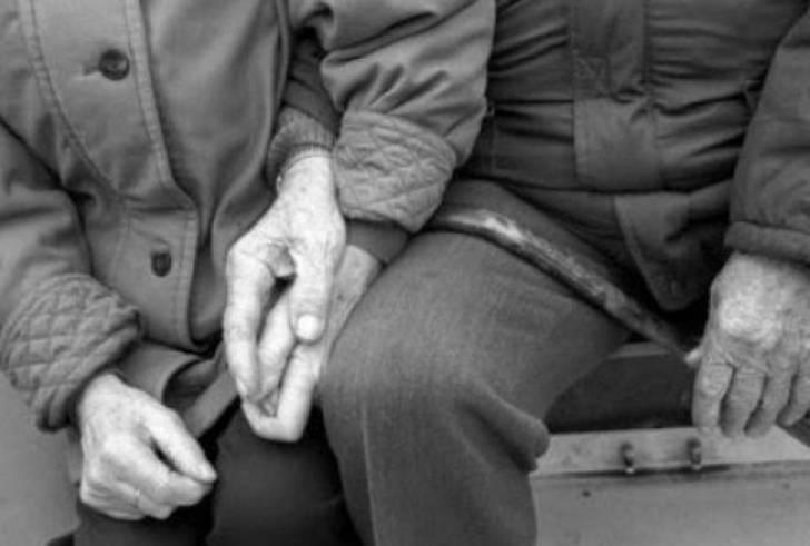 Κρήτη: «Έφυγαν» πλάι πλάι στην αυλή του σπιτιού τους οι ηλικιωμένοι σύζυγοι