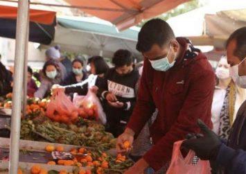 Αυξήσεις έως και 30% στις λαϊκές αγορές καταγγέλλουν οι παραγωγοί