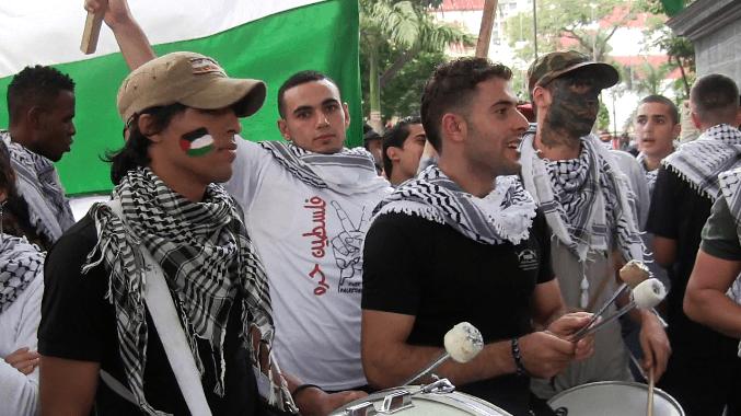 Palestinos estudiantes de medicina participaron con su banda