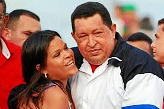 Presidente Chávez con su hija María Gabriela