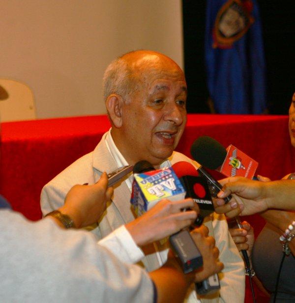 Dr. Jacobo Mora