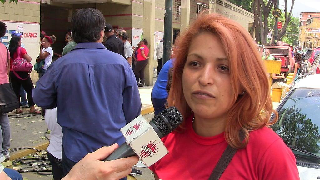 Dennis López de la Radio Libre Negro Primero y el Colectivo Somos Ambiente luego de la rueda de prensa en San Agustín del Sur