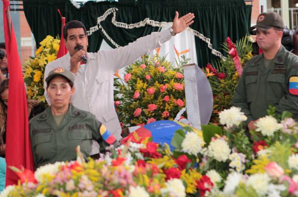 Presidente Maduro en el funeral del Martir José Ponce en La Limonera
