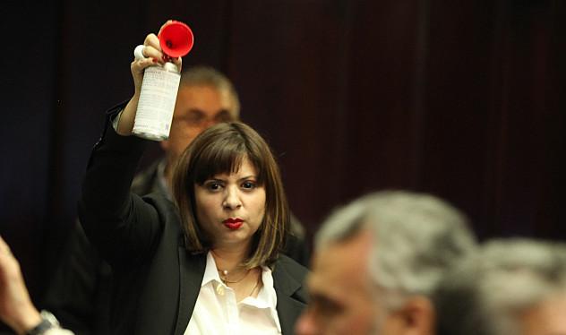 "Nora Bracho, la ""dispara spray"""