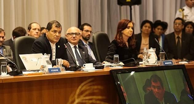 El presidente Correa en su intervención en la cumbre extraordinaria de UNASUR en Cochabamba