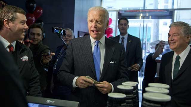 El vicepresidente de EEUU, Joe Biden en el restaurant Capriotti