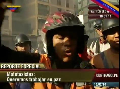 Mototaxistas dan una lección cívica y de paz a los violentos guarimberos.