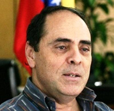el dirigente del PSUV y ex ministro del Comandante Hugo Chávez, Héctor Navarro.