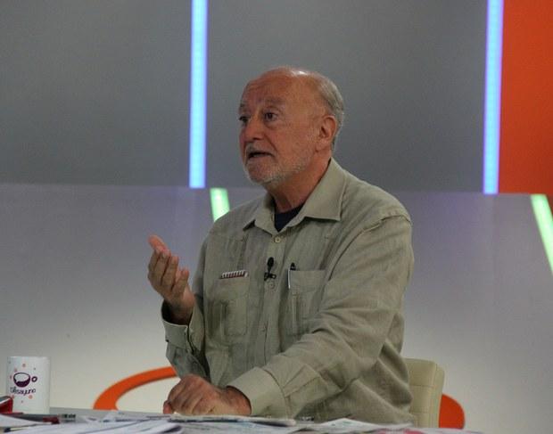 El escritor y periodista argentino Luis Bilbao