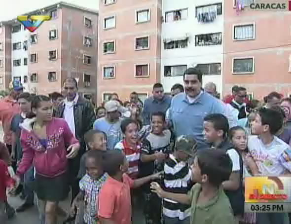 El presidente Maduro en el urbanismo Cacique Tiuna, ubicado en Caracas