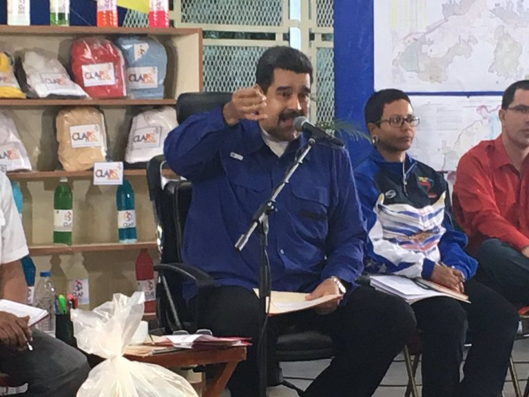 Maduro alerta al pueblo.