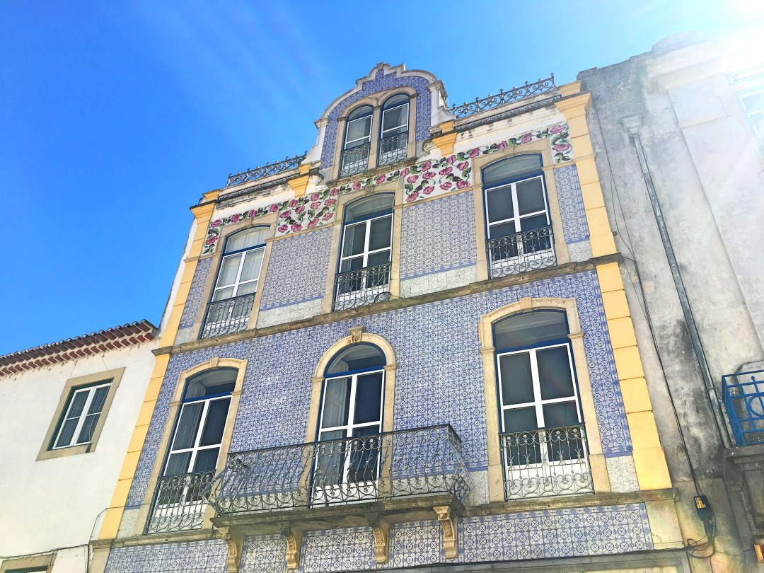 Tile building Tomar