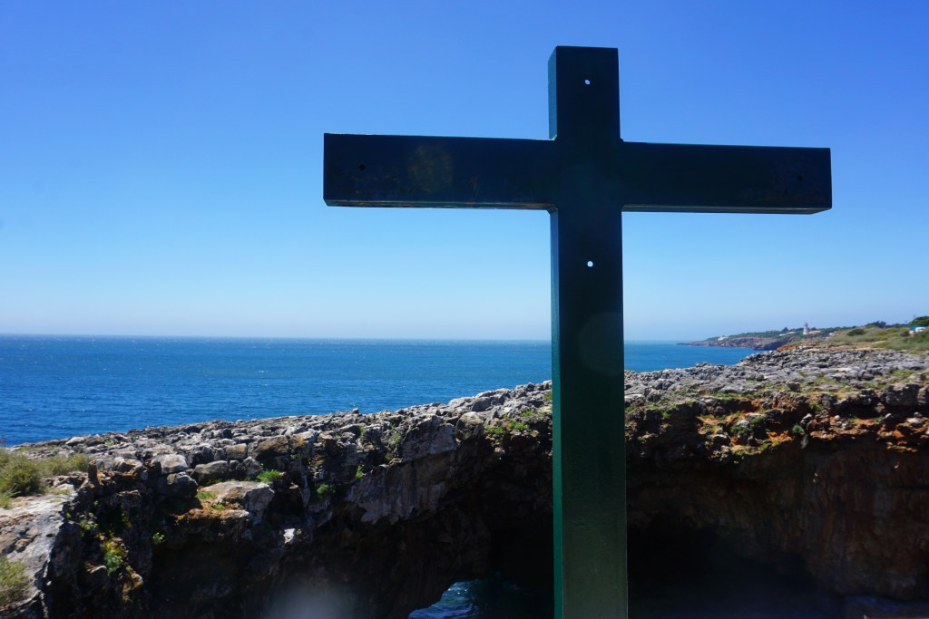 Boca do Inferno cross