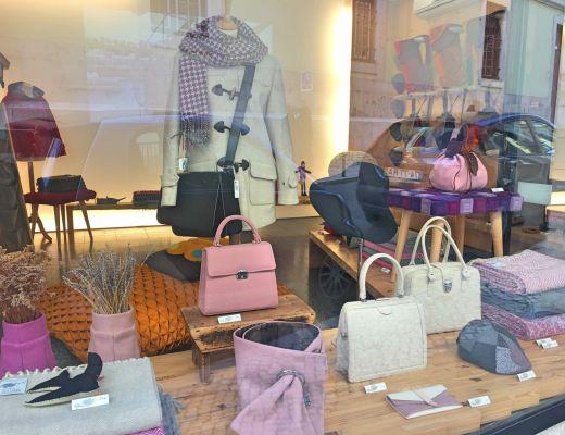A Loja da Burel - window display