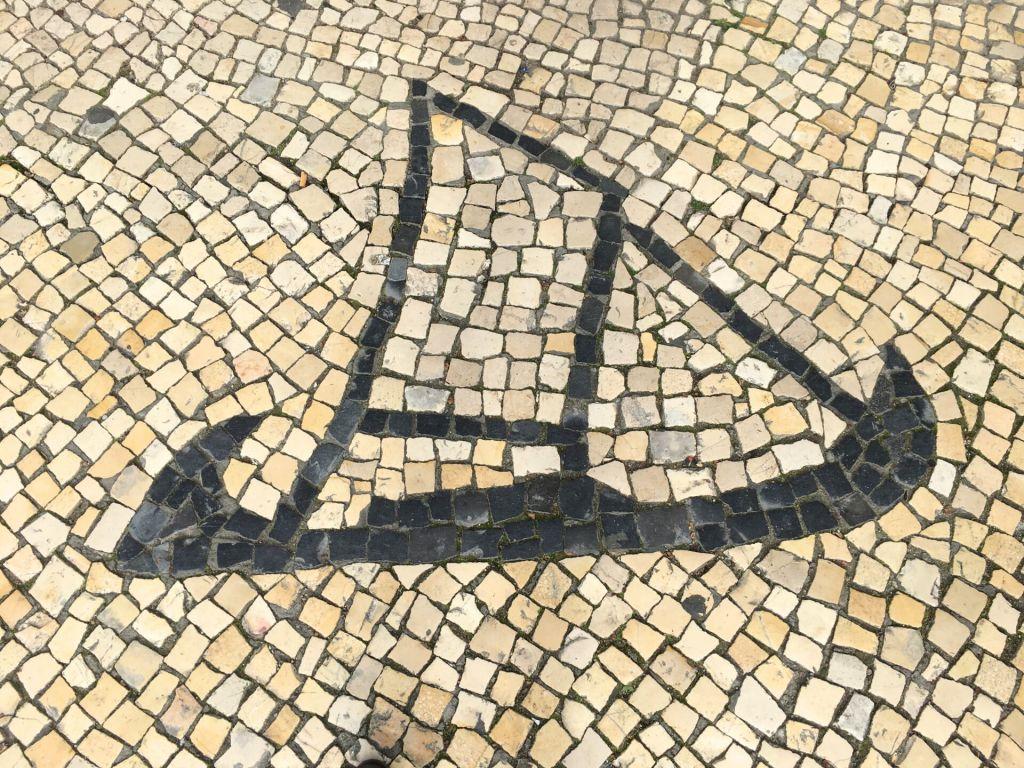 Calçada com moliceiro
