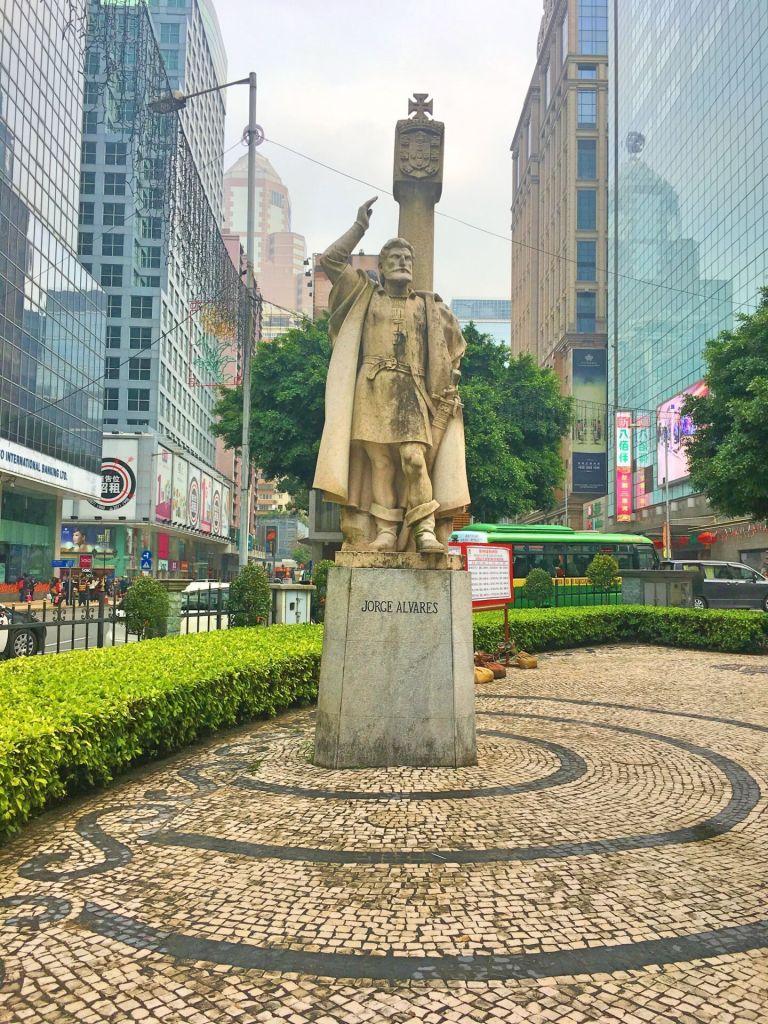 Statue of Jorge Alvares, Macau