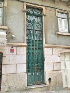 Portuguese door 16