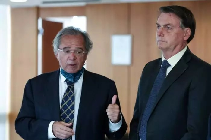 Paulo Guedes/Bolsonaro culpa o pobre pelo preço do arroz. Estaria comprando muito.