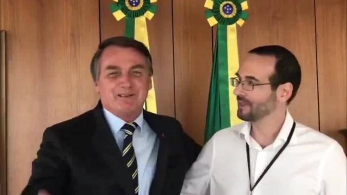 IDIOCRACIA: Bolsonaro indica irmão de Weintraub para a OEA, na área de direito.