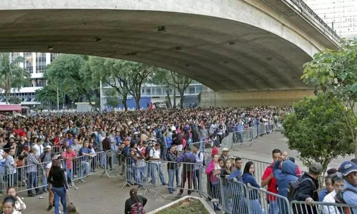 Desemprego explode 44% e inércia de Bolsonaro faz desemprego bater recorde com a pandemia.