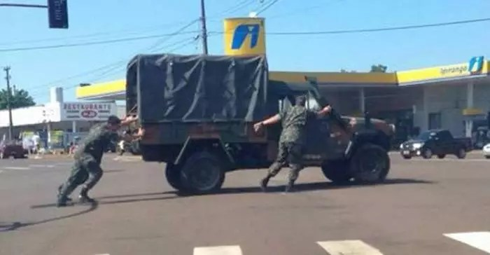 Russos ridicularizam generais de Bolsonaro e, por tabela, os militares brasileiros