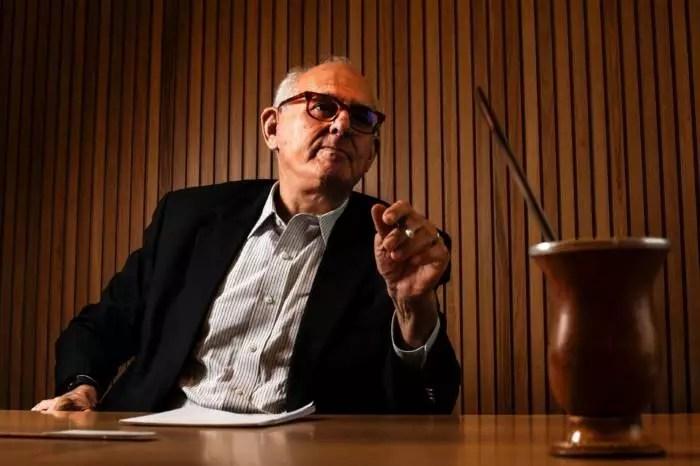 Ex-presidente do STF se diz perplexo com manobra da Corte a favor de Maia e Alcolumbre