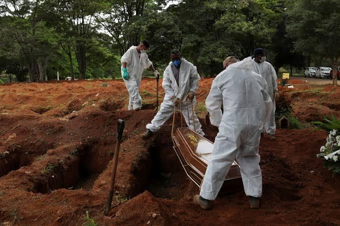 Novo Recorde: 4.195 mortes em 24 horas, por Covid-19, no Brasil