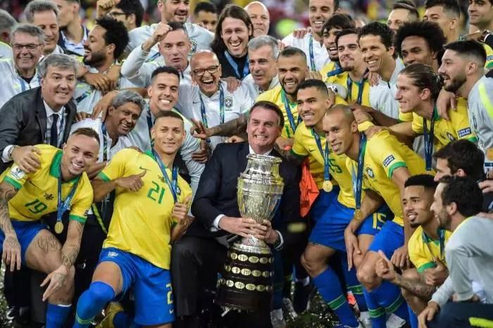 RESULTADO: Quase todos consideram que Bolsonaro errou ao trazer a Copa América para o Brasil