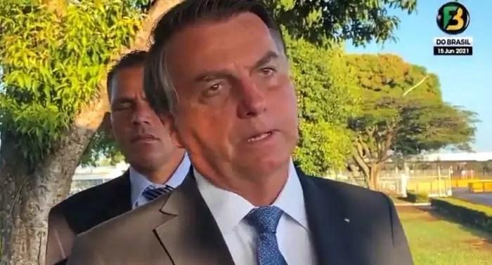 """Bolsonaro veta remedio gratuito para câncer: """"Quem vai pagará a despesa?"""""""