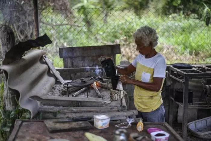 Brasileiros já usam mais lenha do que gás