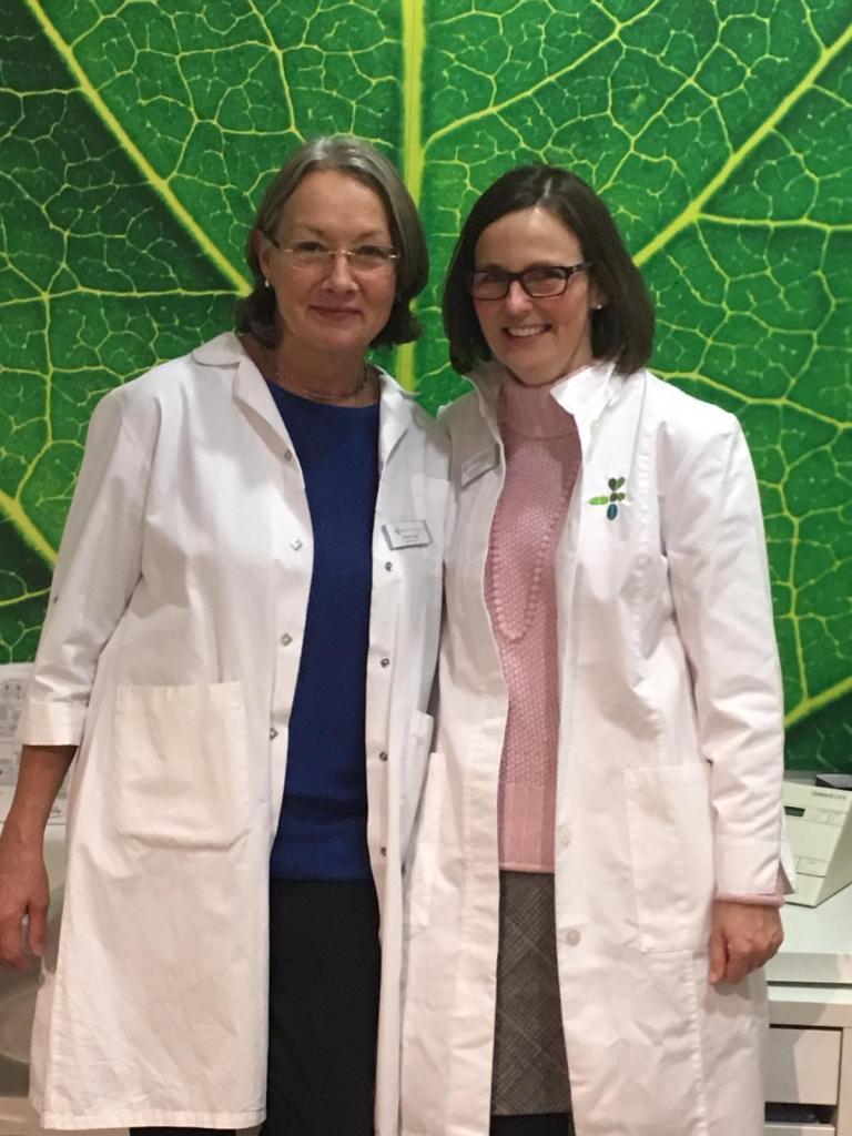 Unsere Apothekerinnen: Maria Esser und Ulrike Kampick