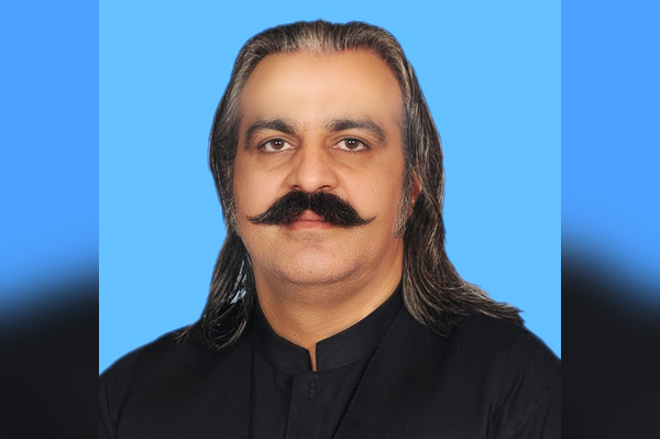 Gandapur pays homage to mountaineer Ali Sadpara