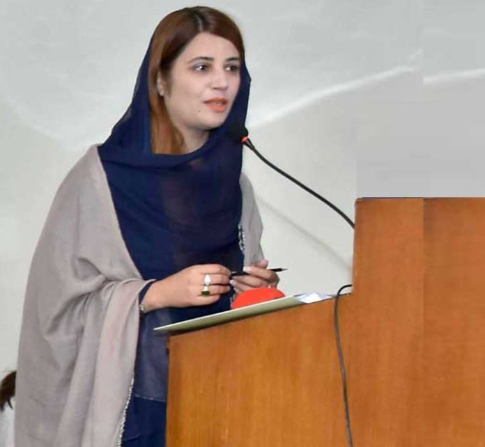 Zartaj Gull appreciates efforts of PMAS-AAUR on climate change