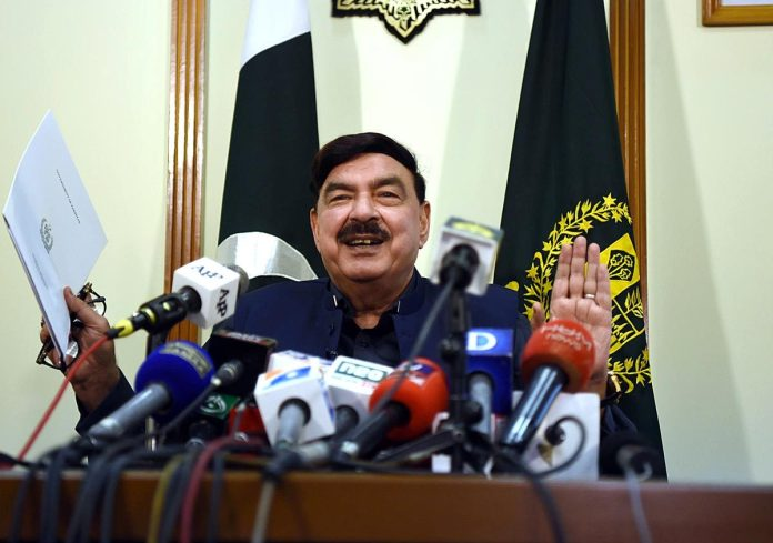 ISLAMABAD: August 20 - Federal Minister for Railways Sheikh Rashid Ahmed addressing a press conference in Ministry of Railways. APP photo by Javed Qureshi